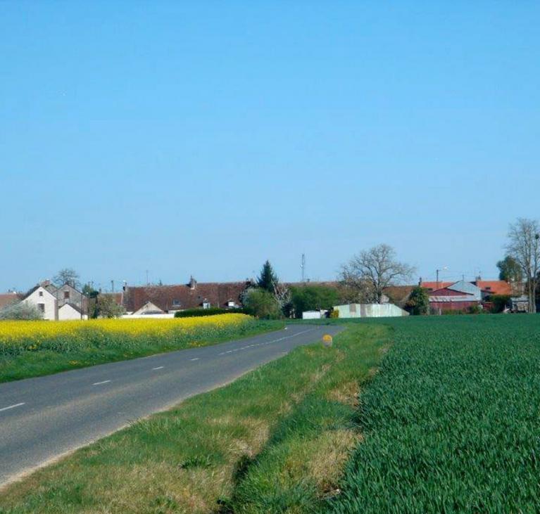 Route et vue du Village